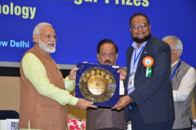 Receiving the Shantiswarup Bhatnagar Prize (India's topmost science prize) from Prime Minister Narendra Modi at Vigyan Bhawan in New Delhi; February 28, 2019.